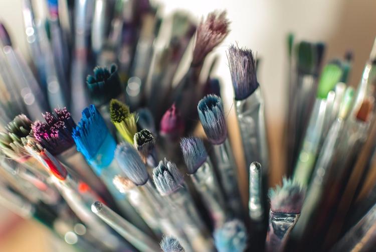 Pick brush paint town - paintbrush - tracimaturo_illustration   ello