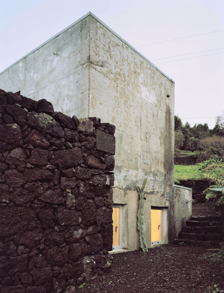 House SAMI-arquitectos architec - thetreemag | ello