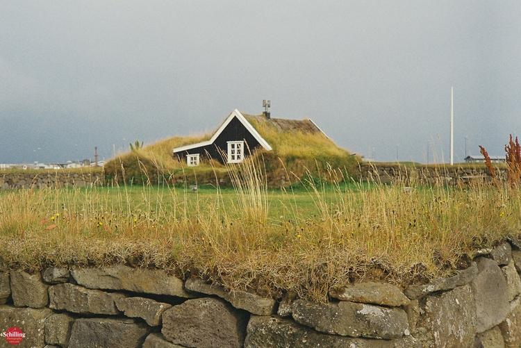 Glimpse Yesteryear; Stekkjarkot - augustschilling | ello
