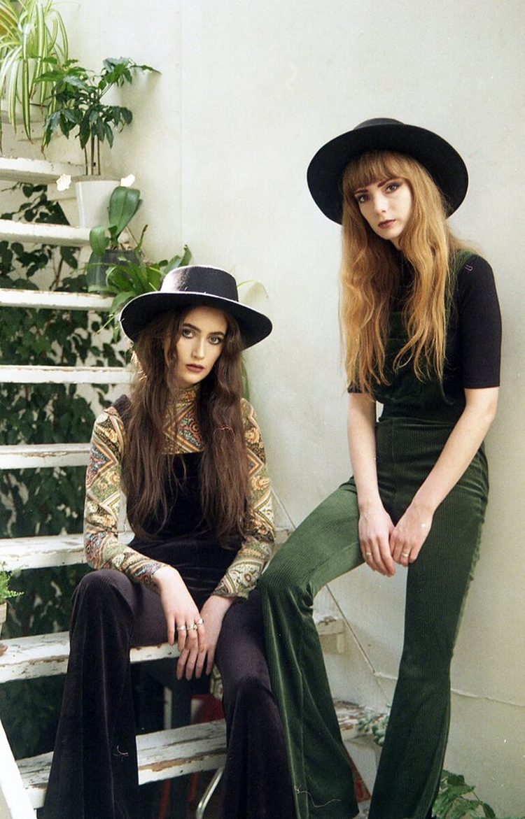 Velvet Gorgeous Vintage Green L - thecoolhour | ello