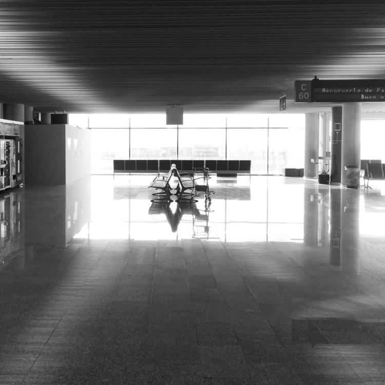 Heading home - airport Palma - mobilephotography - anneberlin | ello