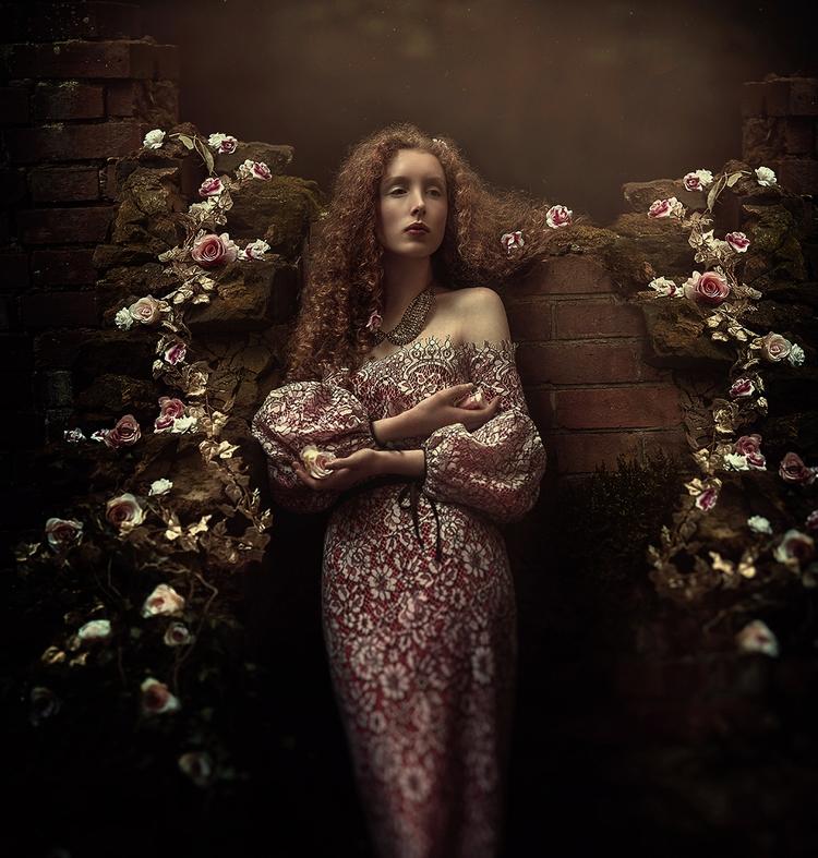 Photographer: San Vid Model: Ch - darkbeautymag | ello