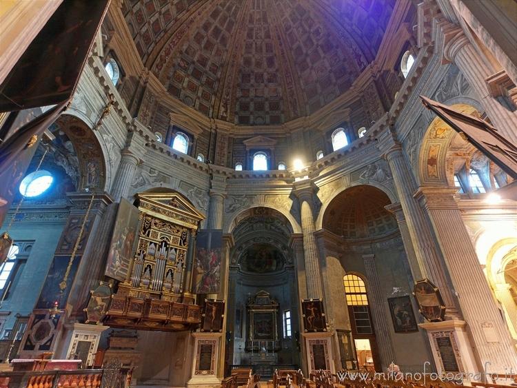 Milan (Italy): octagon Church S - milanofotografo | ello