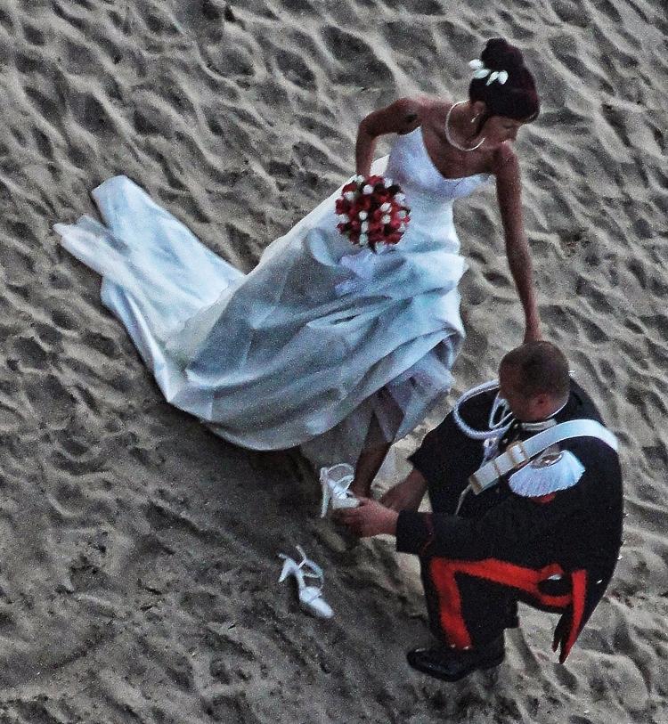 Carabiniere Cinderella - life, love - cornelgin   ello