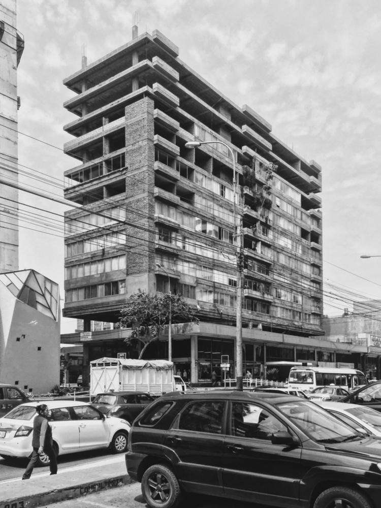 Post-Apocalyptic City 2:skull - architecture - paulomartinez | ello