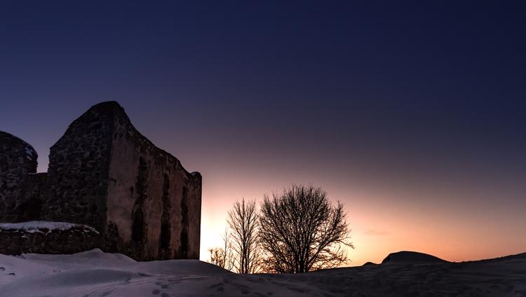 hill - brahehus, sunset, sunrise - niklasborsting | ello