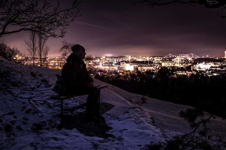 waiting - snow, moon, göteborg, ramberget - niklasborsting | ello