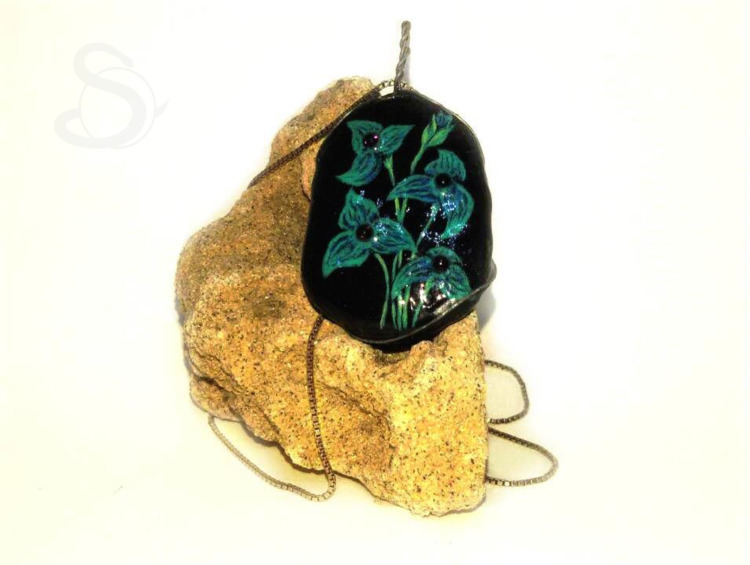 floral pendant - flower, flowers - stolen_from_the_sea | ello