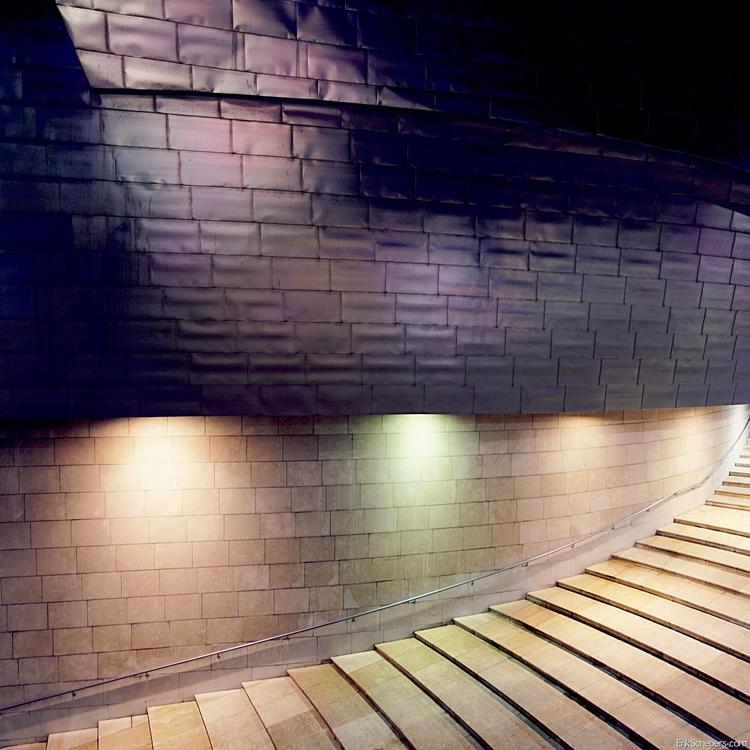 Guggenheim Bilbao II Night - color - erik_schepers | ello