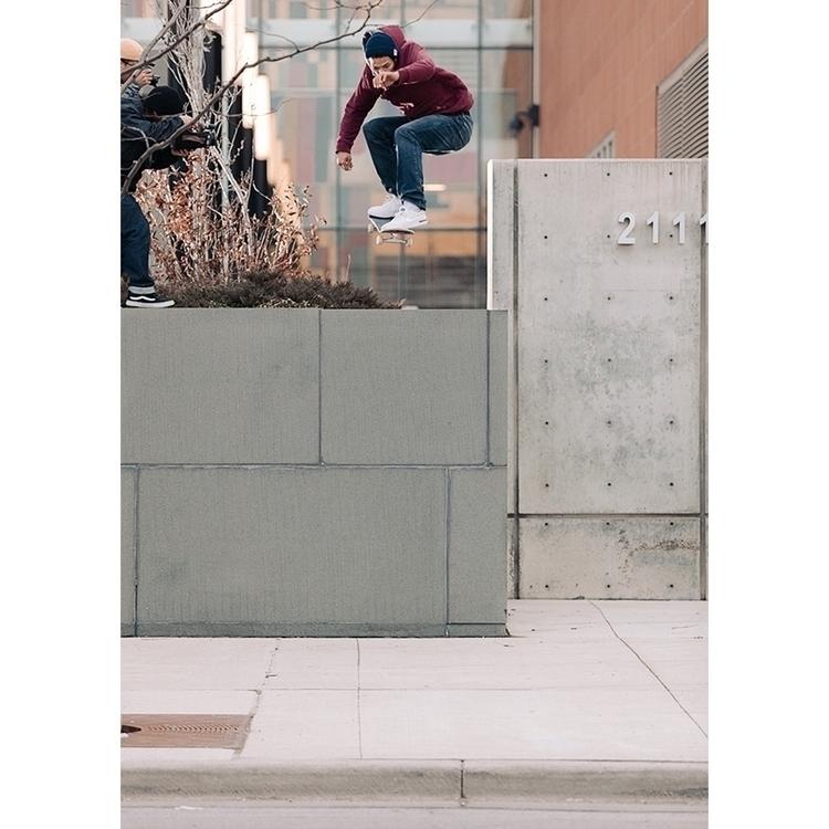 Marcus Sarsycki - gap ollie - skateboarding - marfacapodanno | ello