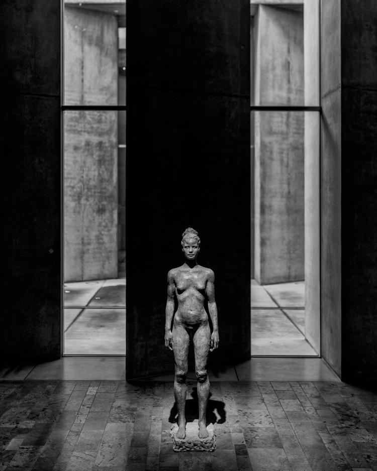 standing tall sculpture: Isolde - christofkessemeier   ello