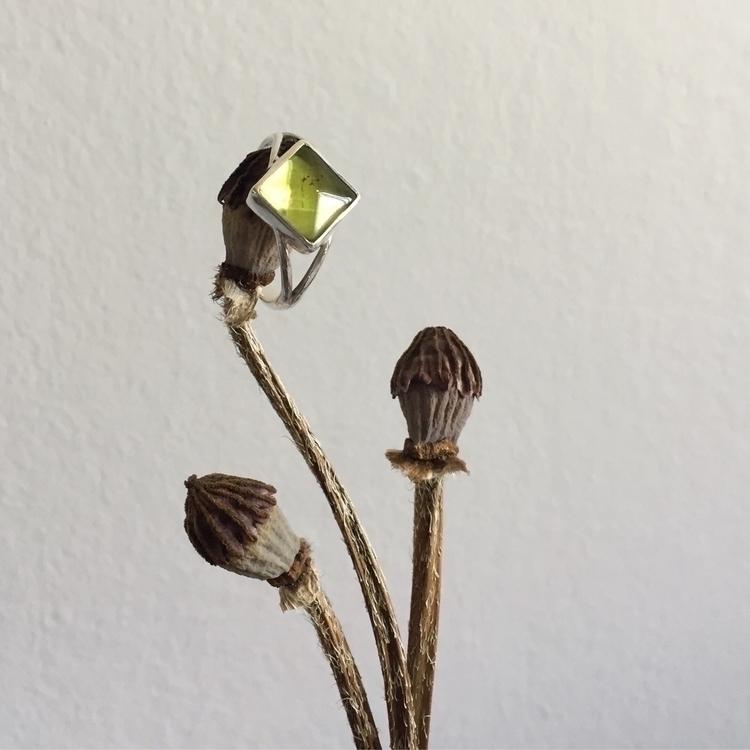 :green_heart:Green Amber ring:g - vanadisgems | ello