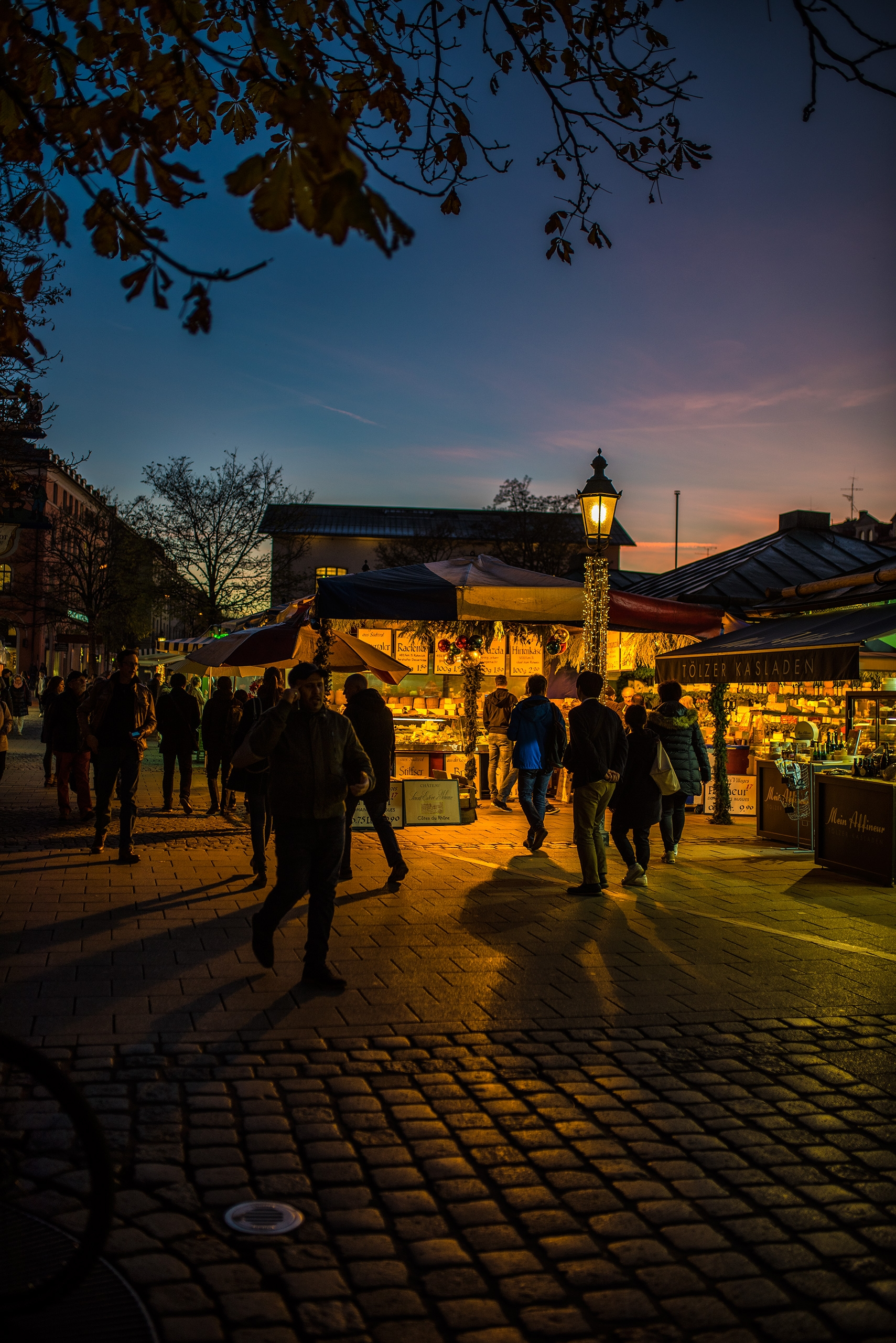 Munich, Viktualienmarkt, November - christofkessemeier | ello