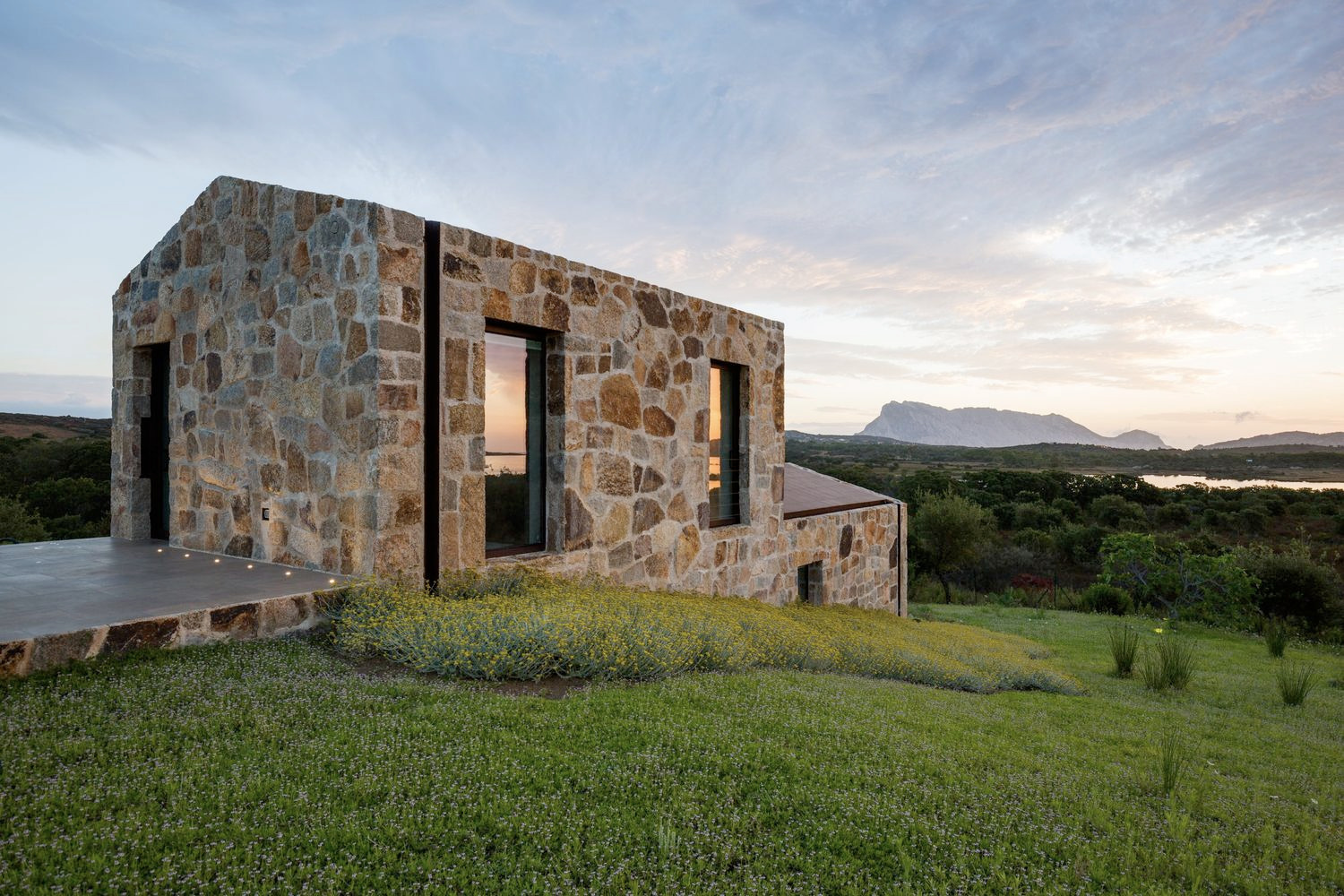 Stazzo House / Altromodoarchite - red_wolf | ello