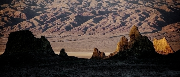 glow, Trona Pinnacles, Californ - frankfosterphotography | ello