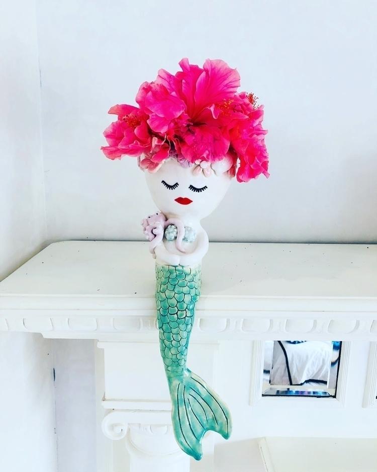 Beautiful hibiscus - ceramic, handmade - livingdecortwins | ello