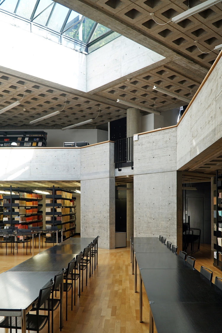 ArcDog Images: Biblioteca Salit - arcdog | ello