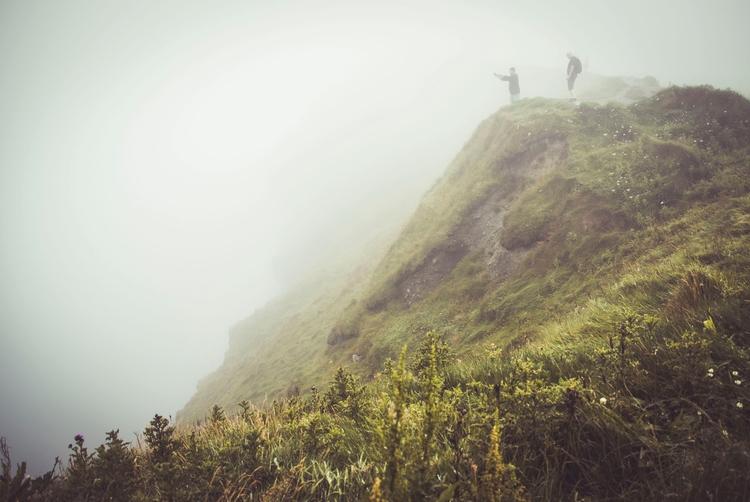 Hey  - irland, iamback, cliffsofmoher - majosenf | ello