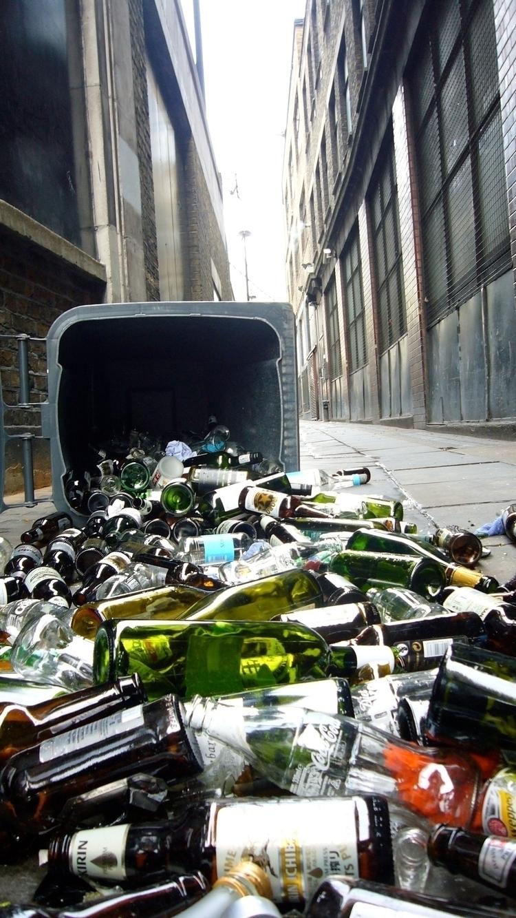 London trash - forensicdonutsgatherhere | ello