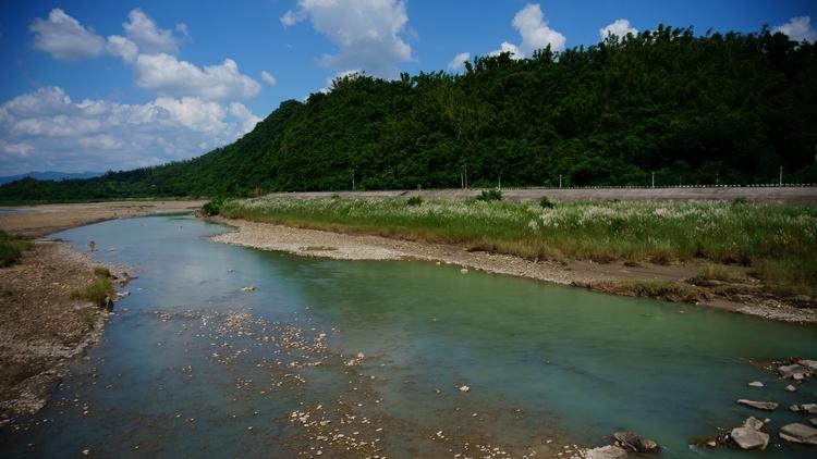 small country river live twenty - daneuaiuai | ello