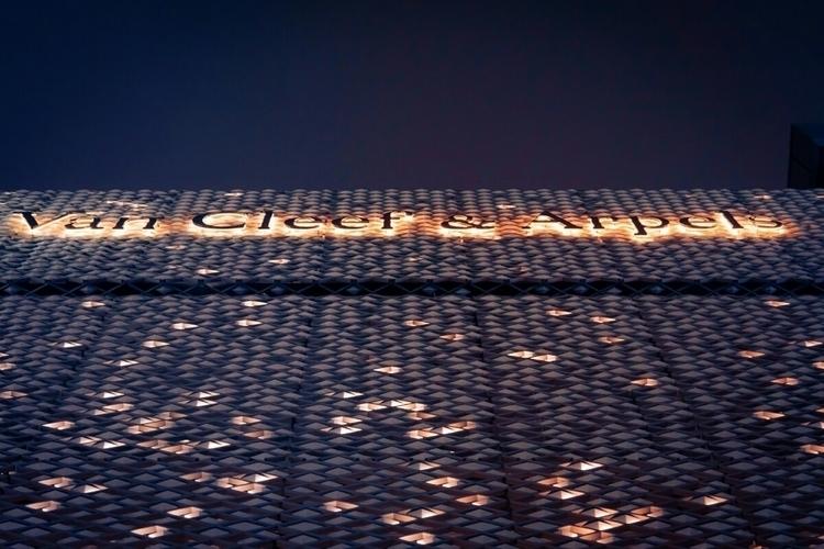 Van Cleef Arpels building Ginza - fokality | ello