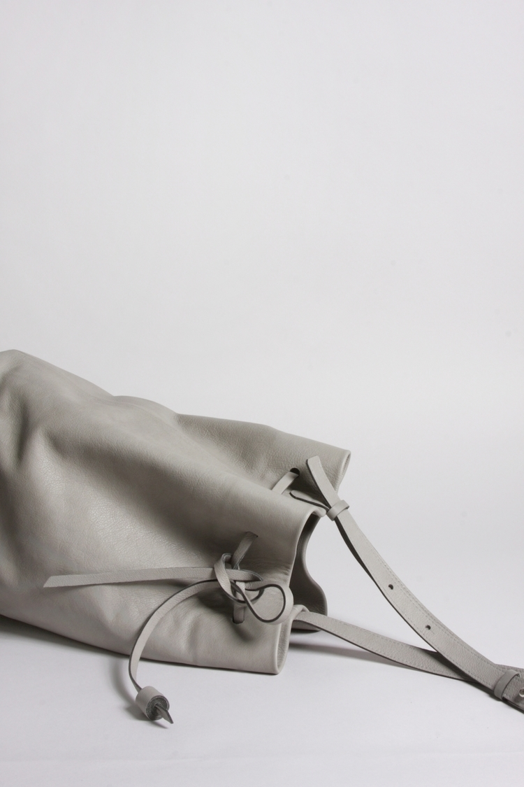 BUCKET BAG OTAME Pale grey Wint - elevenelephant | ello