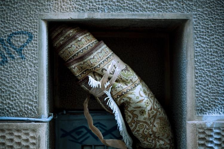Roll - photography, street, athens - manoskapa   ello