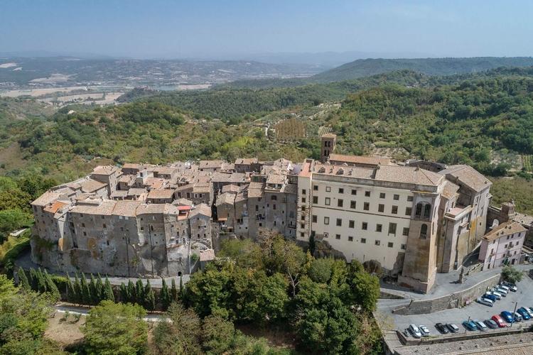 Italy - Bomarzo (VT) stop resea - gogofly | ello