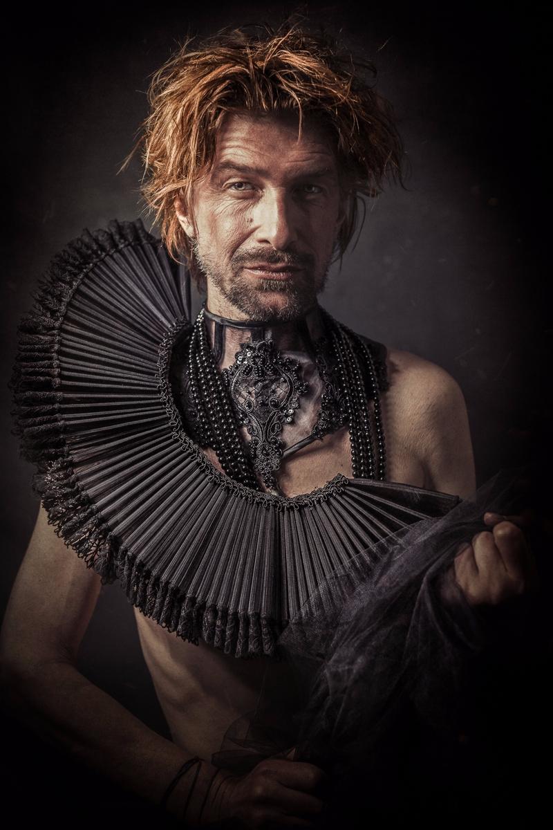Photographer: Volker Bergmann M - darkbeautymag | ello