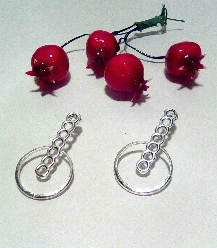 ready Christmas eve party? Circ - stellasjewelryart | ello