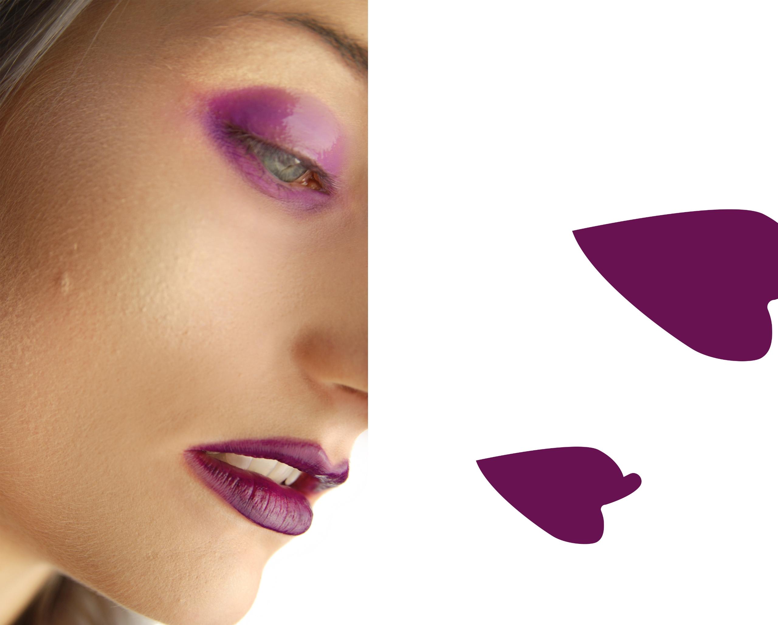 Obraz przedstawia zdjęcie fragmentu kobiecej twarzy w makijażu oraz geometryczne fioletowe kształty na białym tle.