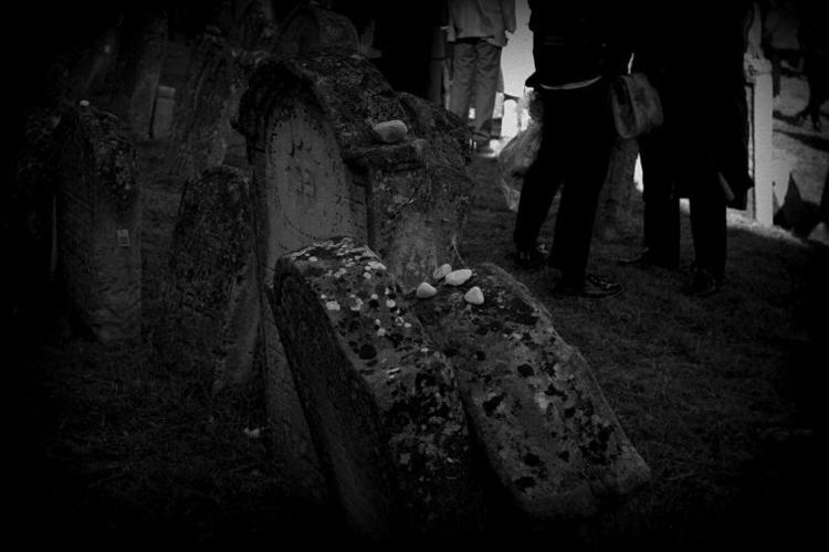 rememebering stones graves jewi - fkopr | ello