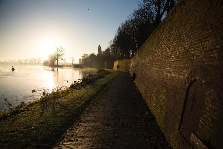 grave, thenetherlands, waterwall - marcusjanssen | ello
