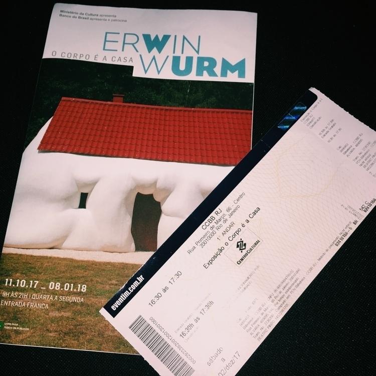 corpo é Casa, Erwin Wurm - 2 de - riowebfolio | ello