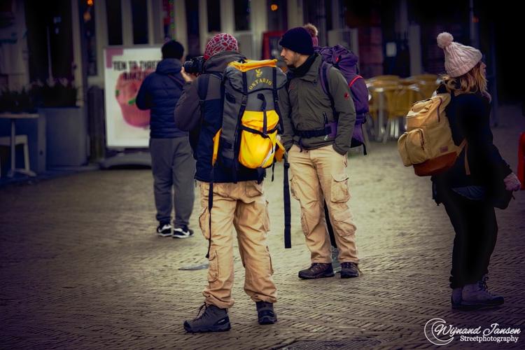Tourist picture sun - artmen | ello