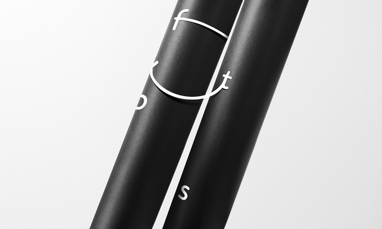 Flextronics / Logotype Notorius - minimalist | ello