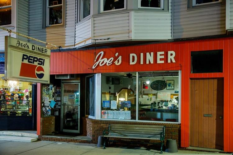 Diner Norman Rockwell fame, Lee - fjgaylor | ello