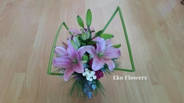 Birthday arrangement young lady - ekoflowers | ello