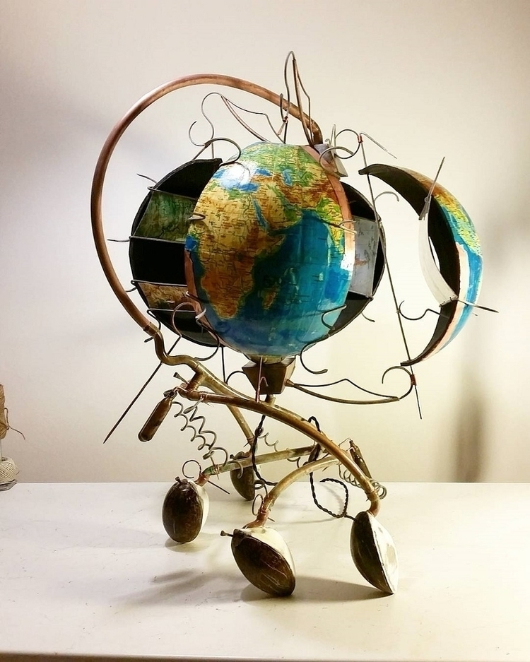 world  - corners - chipamarie | ello