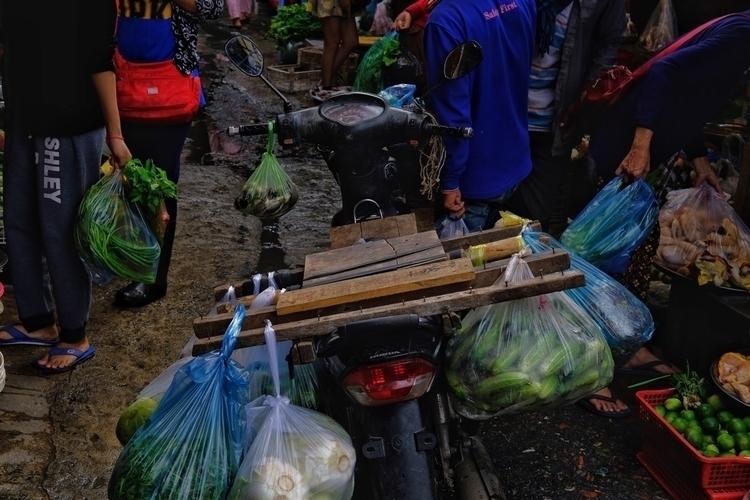 Markt Sihanoukville - weltfarben | ello