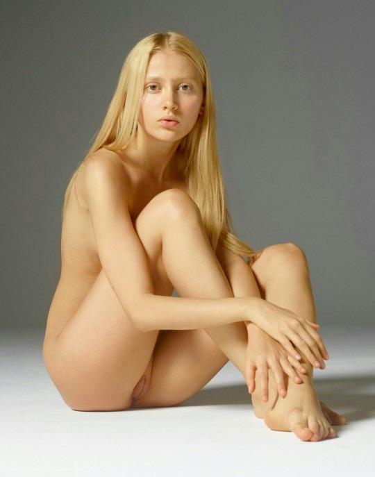 nude, cunt, clit, blonde, shaved - big_floater | ello