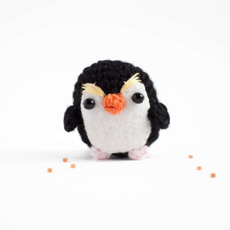 Amigurumi day 78 - royal pengui - mohu | ello