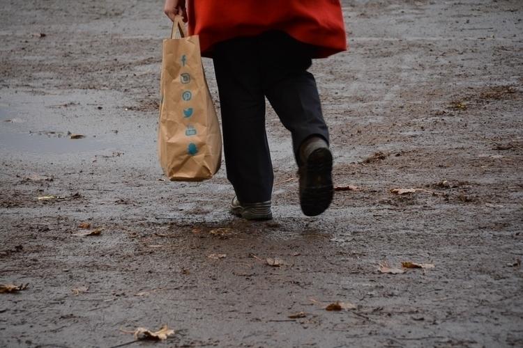 01 | 365 daily pedestrian - thedailypedestrian - myriam | ello
