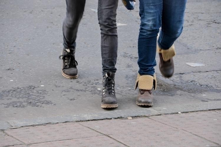 05 | 365 daily pedestrian - onepicaday - myriam | ello