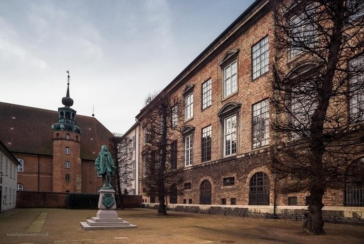 Christiansborg slot - Denmark, Copenhagen - toni_ertl | ello