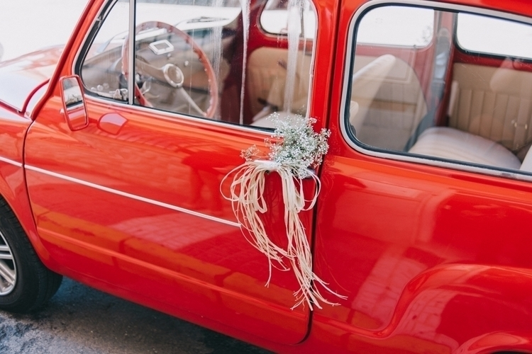 photography, car, red, wedding - mariajuarez | ello