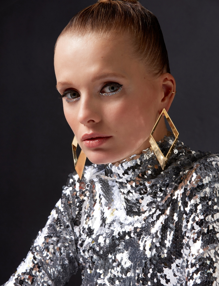 Glitter Reve Magazine photograp - adriannafavero | ello