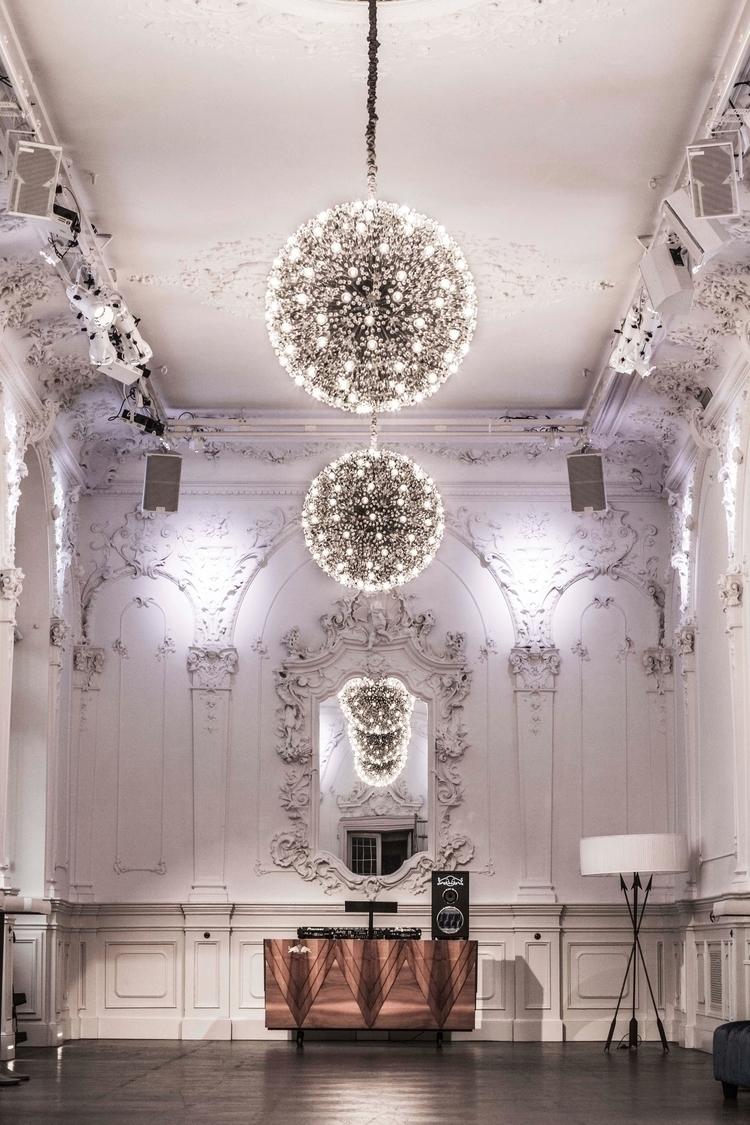 Dj-Desk Vienna Ballhaus / Foto - zirup | ello