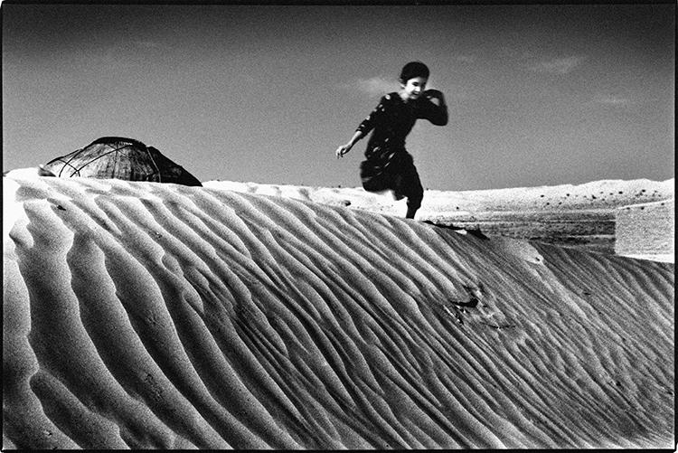Jump dune, Turkmenistan Photogr - tajiko | ello