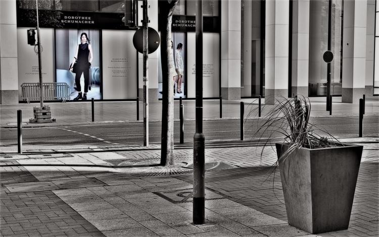 Walking streets - colorkey, Canon - borisholtz | ello